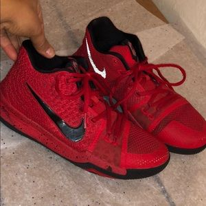 Nike Kyrie 3 Candy Apple Red